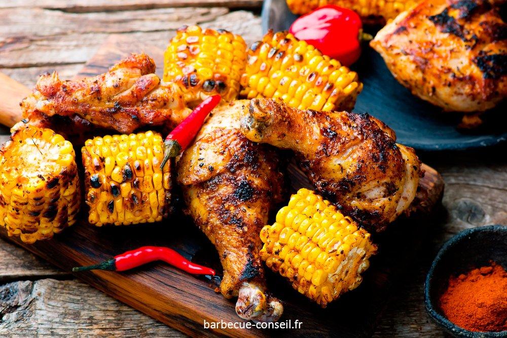 Un plat de poulet grillé cajun